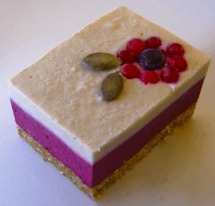 Lumea colorată a prăjiturilor raw vegan